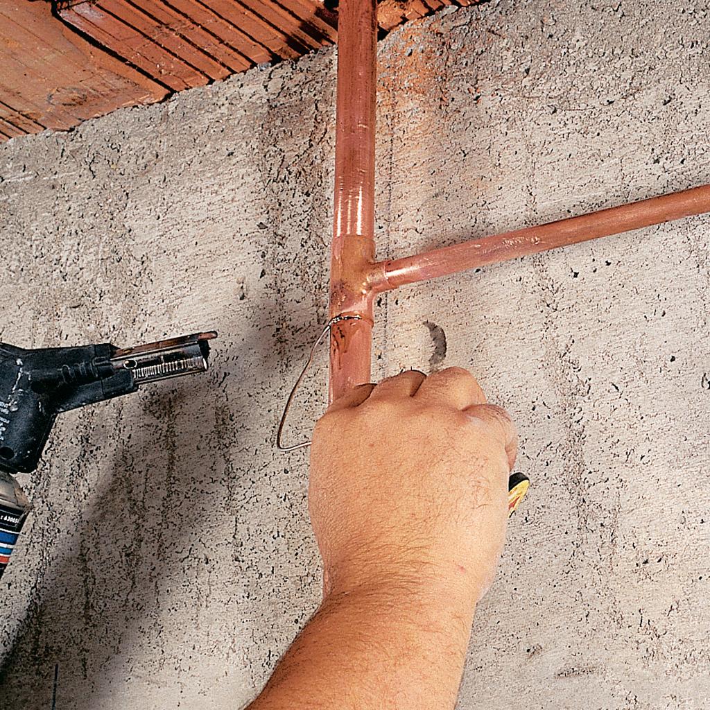 Repiquer un tube sur une canalisation en cuivre