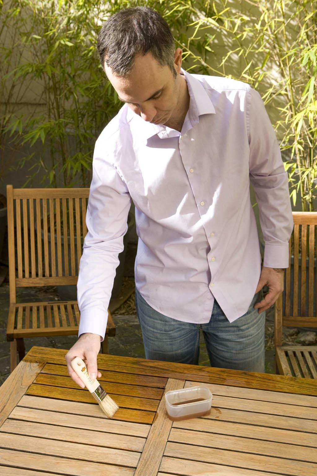 Renover des meubles en teck :