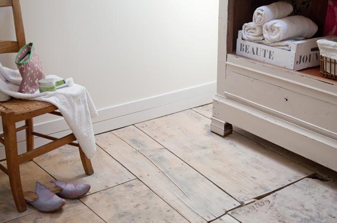 Huiler un parquet de salle de bain