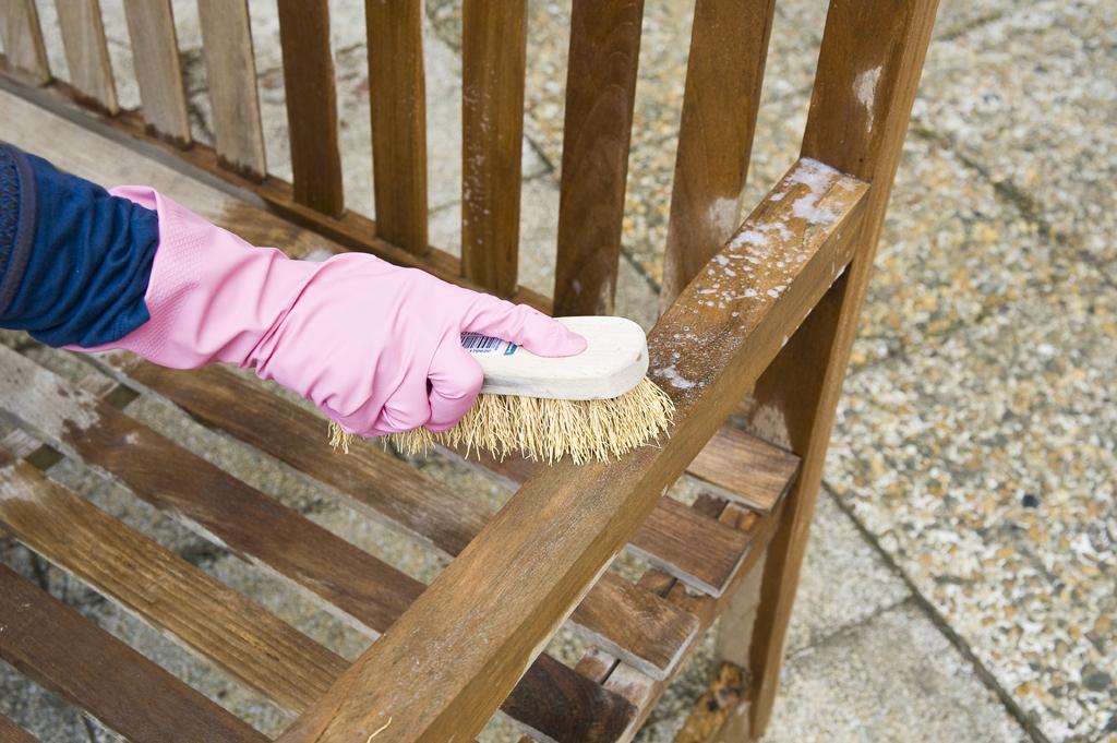Restaurer sa terrasse et ses meubles