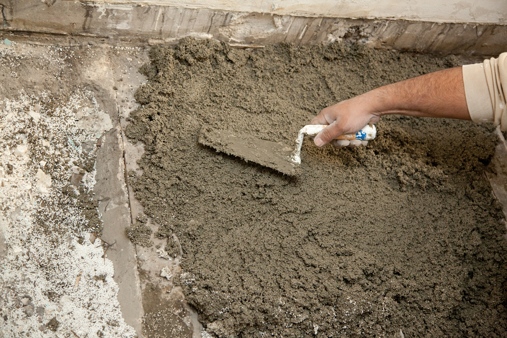 Couler une dalle et ragréer un sol