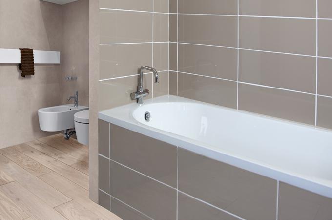 Changer le joint silicone d'une baignoire