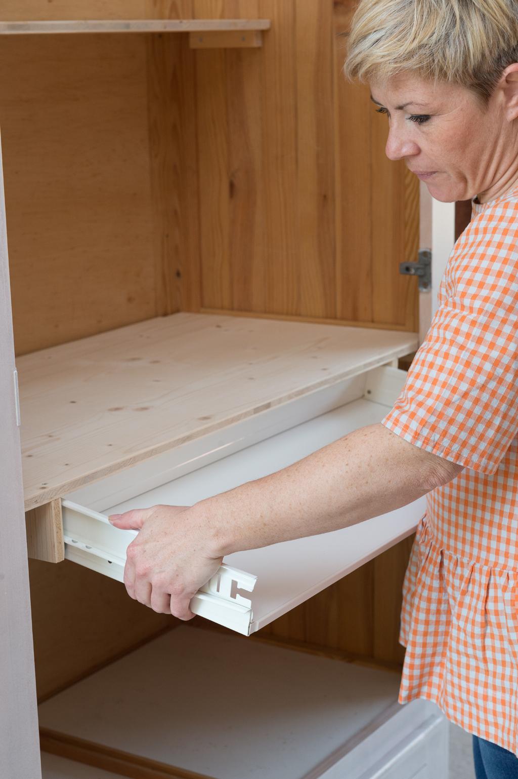 Transformer une armoire en secretaire