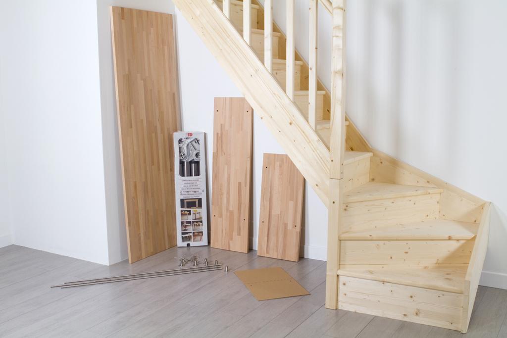 Amenager un espace bureau sous un escalier