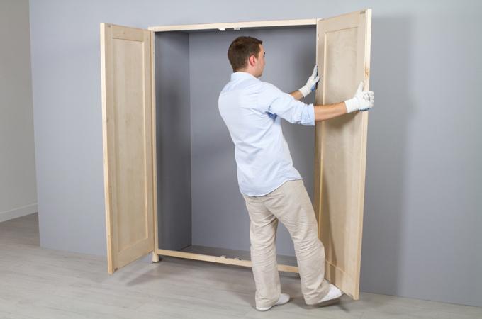Poser des portes de placard battantes