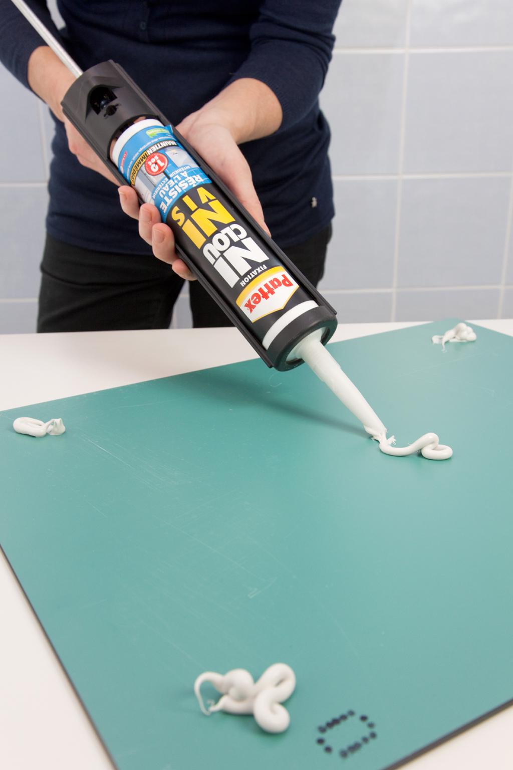 Coller un miroir au mur | DIY Family