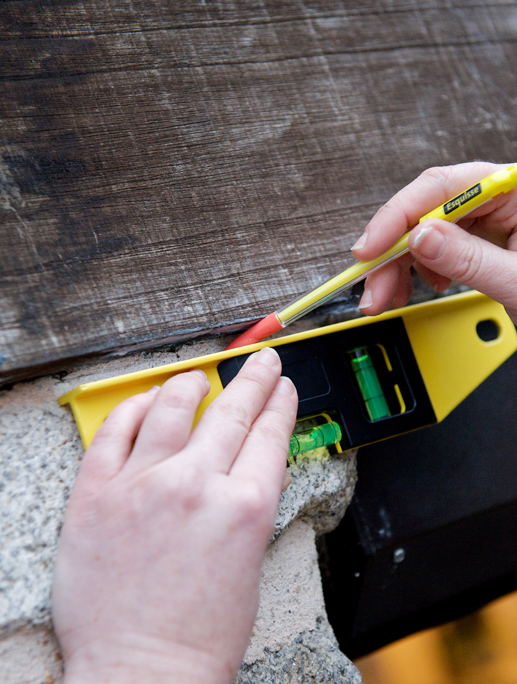 Comment Installer Un Eclairage Exterieur installer un éclairage d'extérieur | diy family