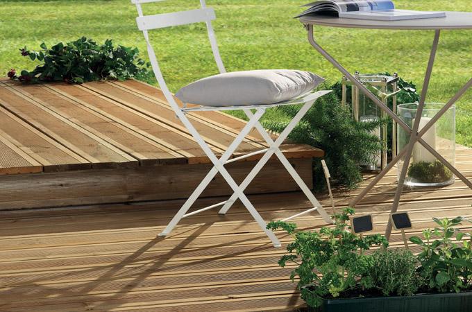 Tout savoir sur la classification des bois pour terrasse