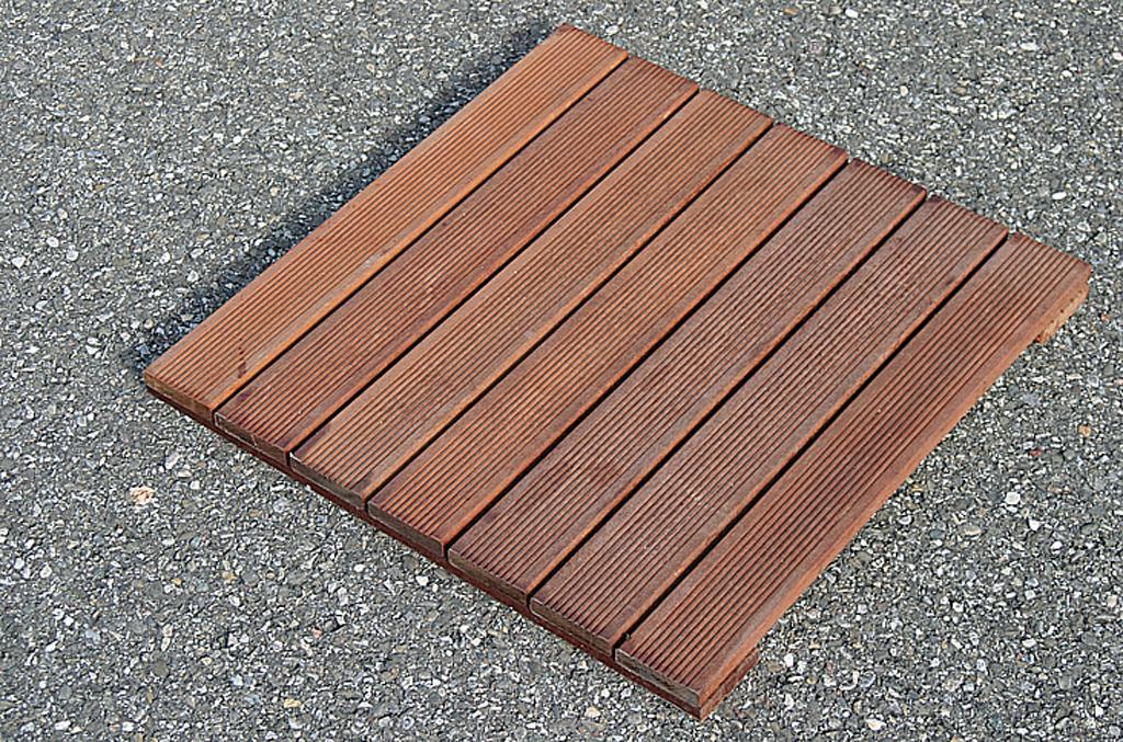 Terrasse en bois : les avantages du caillebotis :