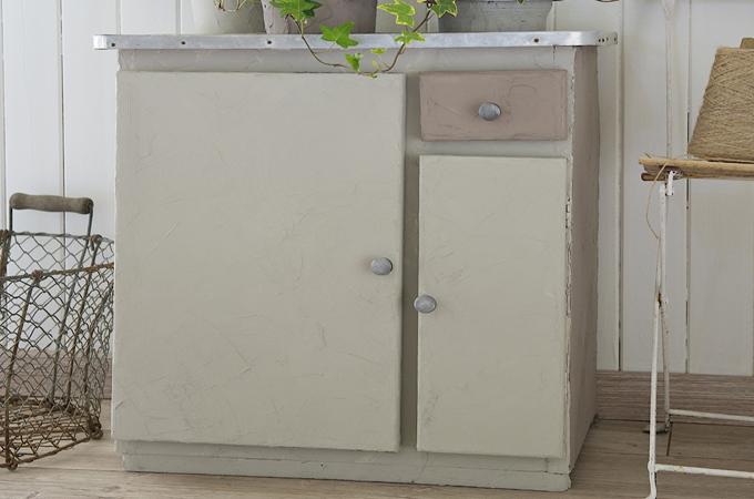 Appliquer un effet beton sur un meuble