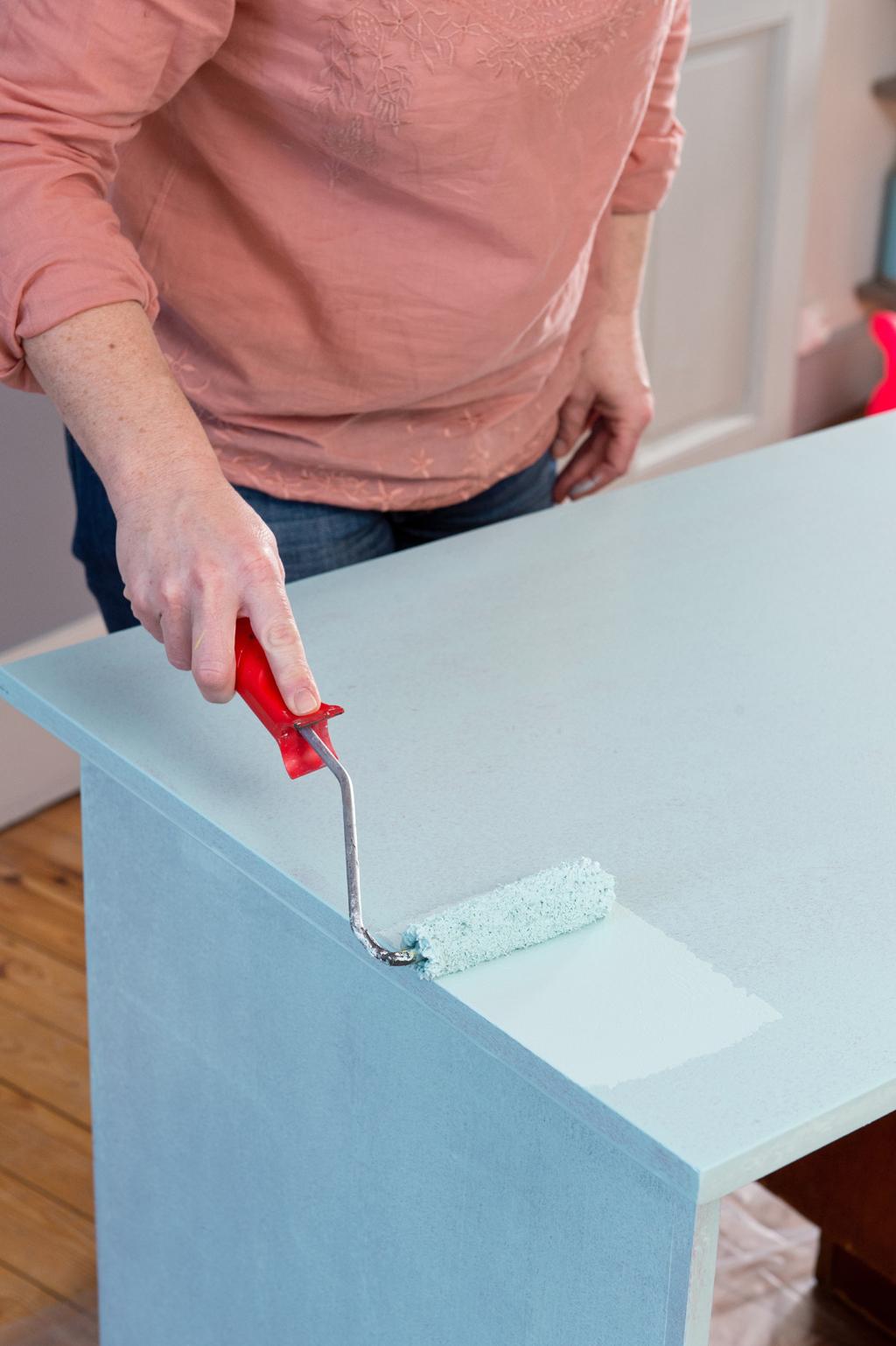 Relooker un bureau avec des vernis colorés