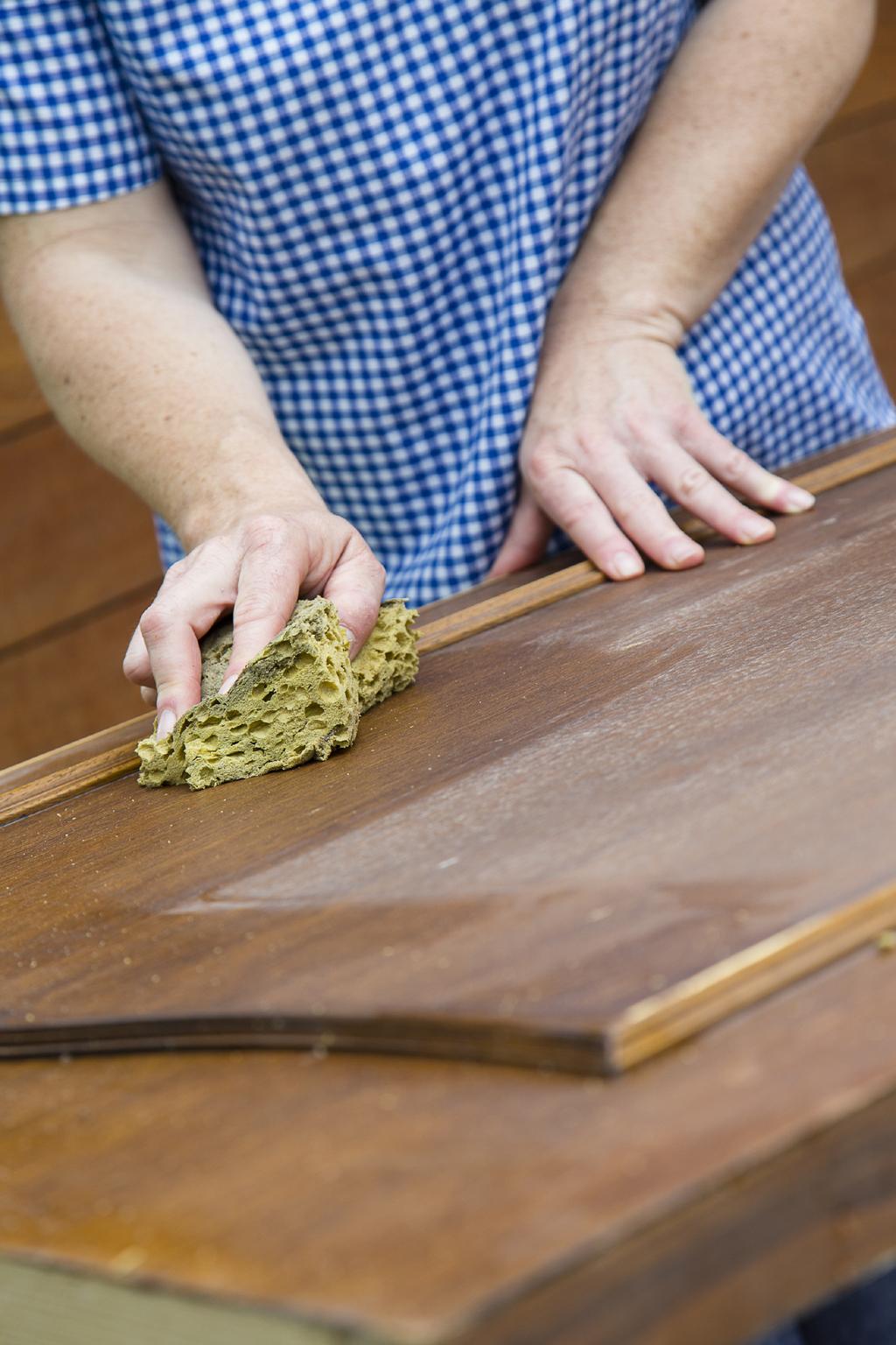 Transformer une porte en tete de lit