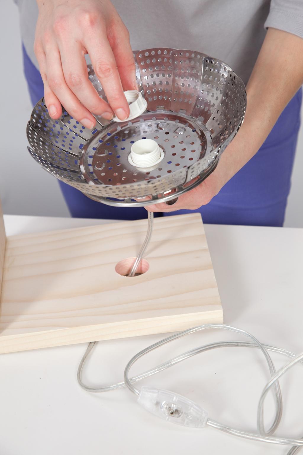 Transformer un panier vapeur en lampe