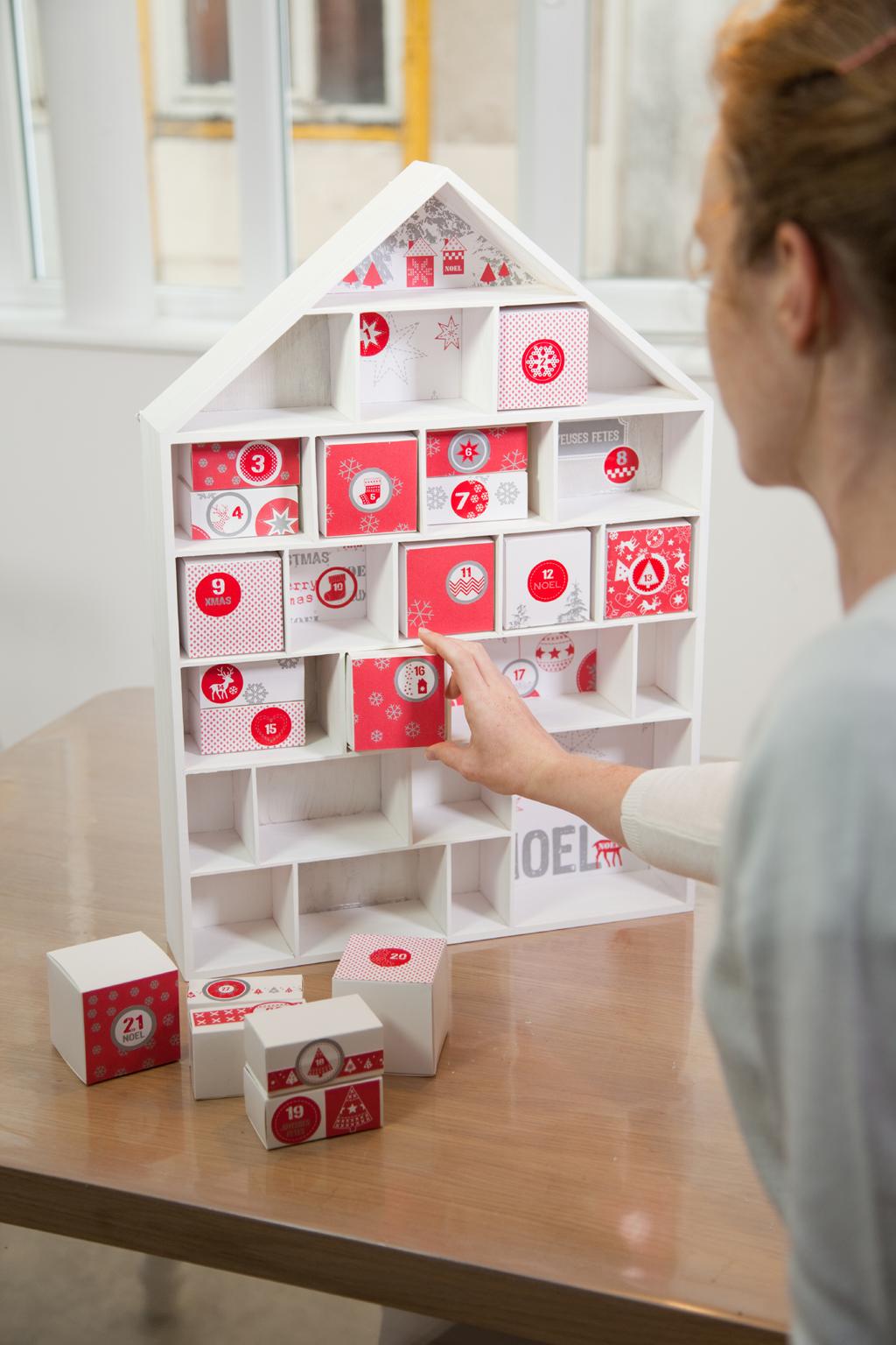 Fabriquer un calendrier de l'avent avec une maison en bois