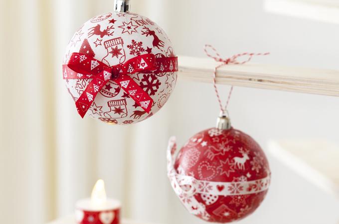 Decorer des boules opaques de Noel