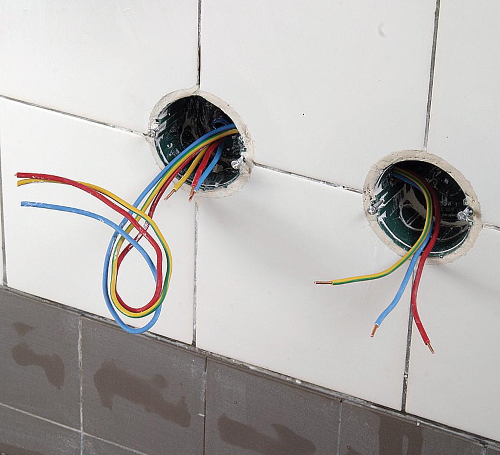 Poser des prises de courant encastrées